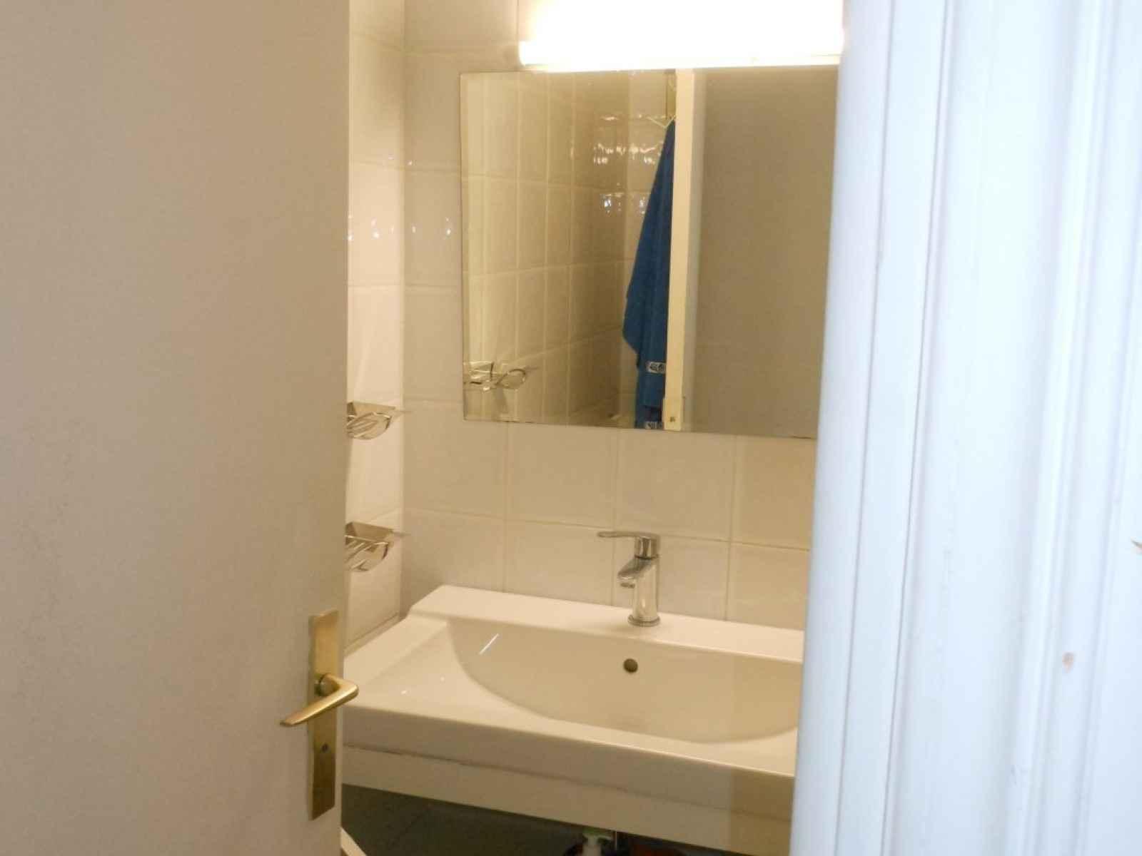 Salle De Bain Blanche Grise Et Bois ~ Location Saisonni Re Appartement 3 Pi Ces Nice Lib Ration
